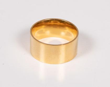 טבעת זהב גדולה עשוייה stainless steel בציפוי זהב איכותי
