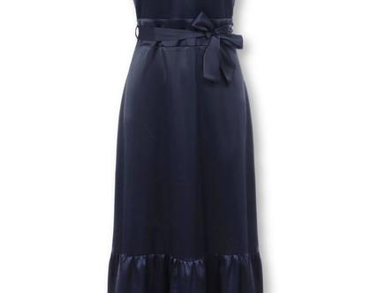 שמלת מקסי כחולה מבד מבריק ללא שרוולים (אלי)