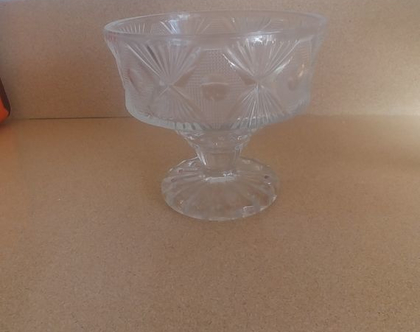 גביע זכוכית לסוכריות