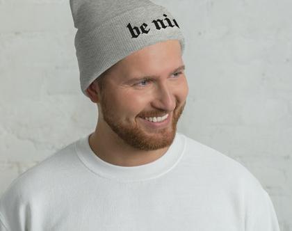 כובע גרב אפור | כובע גרב רקום | כובעי גרב יוניסקס | כובע צמר לגבר | כובעי צמר נשים | BE NICE | כובע של מולי