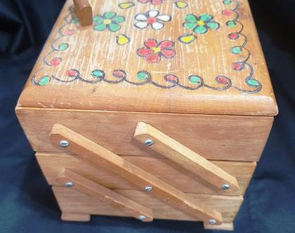 קופסת כלי תפירה מעץ