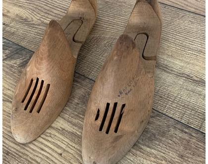 זוג אימומי נעליים