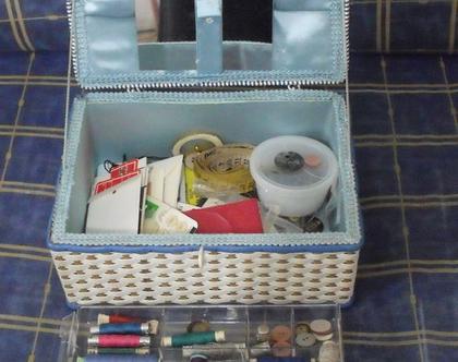 קופסה קופסת כלי תפירה יפנית ארגז כלי וינטג' מעץ יפן מאובזרת עם חוטים אצבעונים מחטים שנות ה 50 - 60 במצב טוב מאוד עבודת יד ייחודי מעוצב מהמם