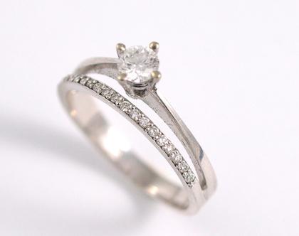 טבעת אירוסין משובצת יהלום רבע קרט