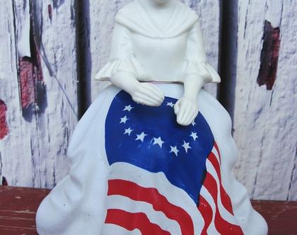 """בקבוק בושם -avon וינטג' - בטסי רוס עם דגל ארה""""ב"""
