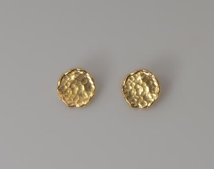 עגילים צמודים מטבעות מרוקעות