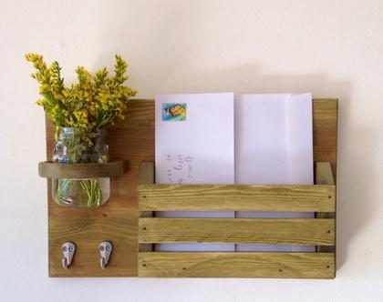 מתלה מפתחות מעוצב דגם ״גילי״-עץ ממוחזר- ירוק שקוף
