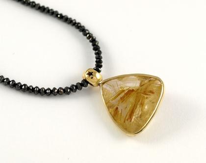 תליון אבן רוטילייטד קוורץ   מסגרת זהב 14k   תליון בעבודת יד   אורה דן תכשיטים   עיצובים בהזמנה   מעצבת תכשיטים   שרשרת ייחודית
