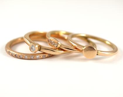 טבעות זהב אדום 14 קרט   טבעות זהב משתלבות   מעצבת טבעות ברעננה   טבעות בעיצוב אישי   אורה דן תכשיטים   מעצבת תכשיטים   טבעות אירוסין  