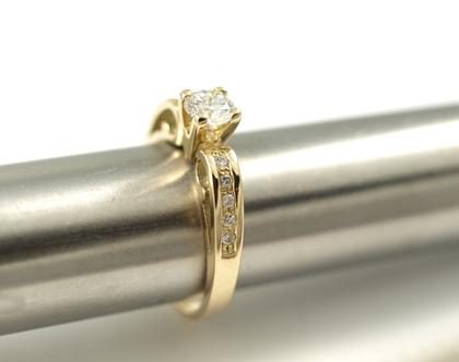 טבעת אירוסין   טבעת יהלום מרכזי   טבעת מעוצבת ייחודית   אורה דן תכשיטים   תכשיטים ברעננה   טבעות בעיצוב אישי  