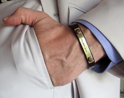 צמיד עור חום עם משמעות לגבר. צמידי גברים עם חריטה