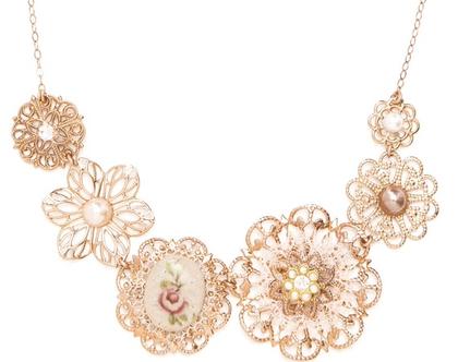 שרשרת פרחים יפהפיה ומיוחדת בזהב אדום,שרשרת זהב אדום,שרשרת מעוצבת,שרשרת רומנטית,שרשרת תחרה,שרשרת בסגנון וינטאג׳י ,שרשרת מיוחדת,שרשרת לאשה