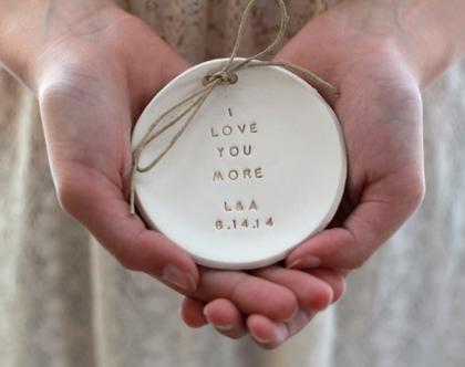 צלוחית לטבעות חתונה I love you more   מתנה לכלה   מתנה לחתונה   מתנה ליום נישואין   מתנה לאירוסין   כרית לטבעות נישואין