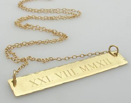 שרשרת זהב עם תאריך חשוב - תליון עם חריטה אישית