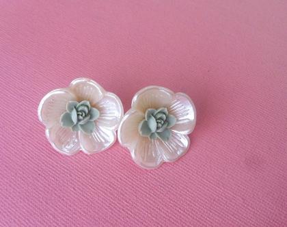 עגילי פרח שמנת ומנטה צמודים / עגילים לכלה