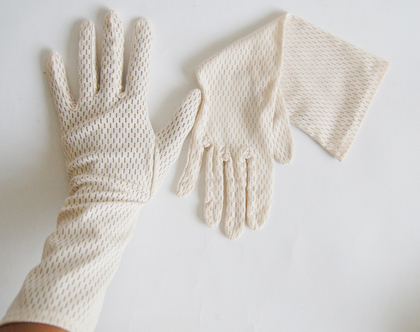 כפפות תחרה רשת סיקטיז לאישה | כפפות תחרה לבן-קרם וינטג' משנות ה 60'