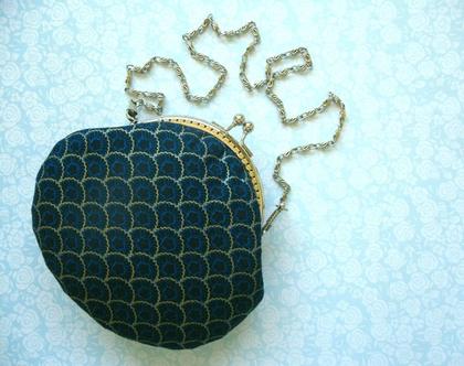 תיק קלאץ לנשים.ארנק מתנה לאשה - מיוצר בעבודת יד מבדי כותנה.