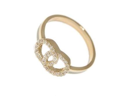 טבעת מעגלים | טבעת משובצת | טבעת עיגולים | טבעת עדינה | טבעת לאישה | טבעת מעוצבת | טבעת מיוחדת | טבעת זהב | טבעות נשים