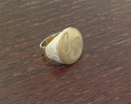 טבעת חריטה משובצת | טבעת חותם משובצת