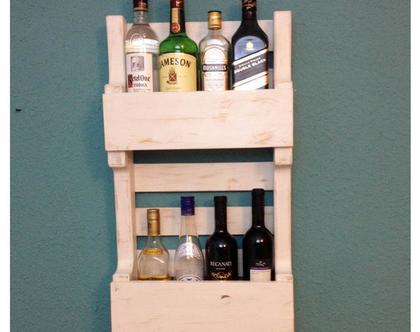 בר אלכוהול דגם ״ורד״-מעוצב ממשטח-עץ ממוחזר קרם ווש, מתנה לגבר, מתנה לבעל, בר לאלכוהול, מדף לאלכוהול, מדף לבקבוקים, בר לבית, סטנד לבקבוקים