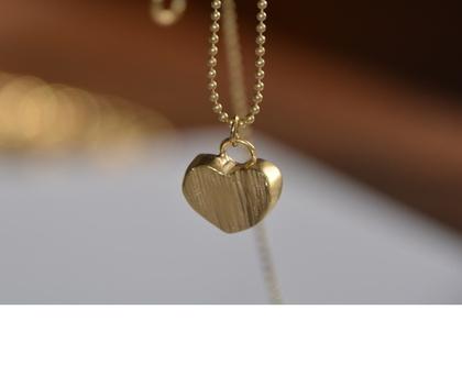 שרשרת זהב, שרשרת לב, שרשרת עדינה, תליון לב, תליון זהב, עבודת יד, תכשיט לכלה, מתנה לאישה, מתנה לחברה,מתנה בת מצווה