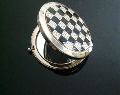 מראה אישית | מראה לתיק איפור | מראה לאיפור| שחמט | מראה לאישה | מתנה מיוחדת לאישה | מתנה ליום הולדת | מתנה לחברה | מתנות מיוחדות|