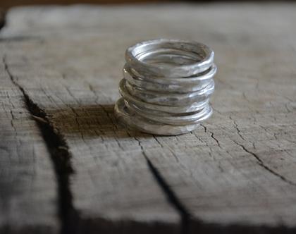 טבעת כסף דקה, טבעת עדינה, טבעות כסף, סט טבעות כסף, טבעת דקה, טבעת מרוקעת, סט טבעות, טבעת מעוצבת, טבעת כסף 925