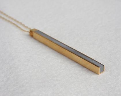 תליון פרופיל מרובע | זהב ובטון | תליון ארוך