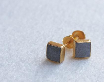 עגילי זהב עם מילוי בטון | עגילים מרובעים צמודים