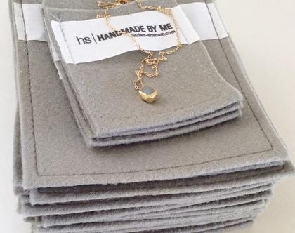 תליון קטן זהב ובטון | תליון זהב עם שרשרת