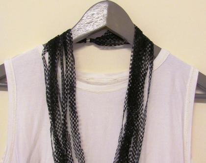 שרשרת חוטים שחורה