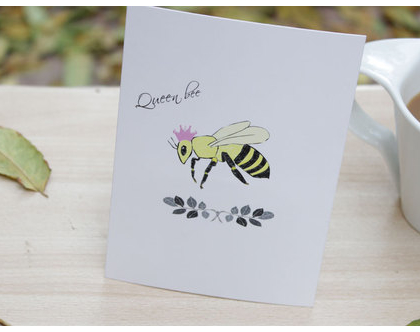 """גלויה """"Queen bee""""   גלויה למסגור"""