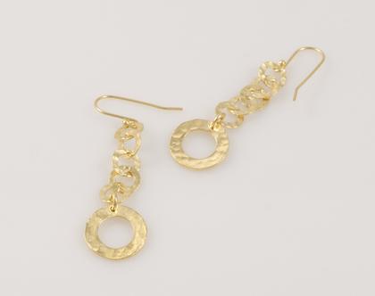 עגילי זהב תלויים, עגילי זהב מרוקעים, עגילי זהב ארוכים, עגילי עיגולים מזהב, עגילי מתנה, עגילים מיוחדים לאשה, עגילים עבודת יד