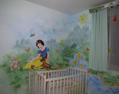 ציורי קיר בחדר משותף