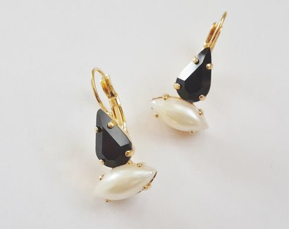 עגילי קריסטל שחור ופנינה זהב - עגילי מיסט - לאירוע