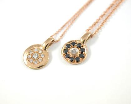 תליון זהב אדום   מטבע זהב   תליון יהלומים שחורים   תכשיטים מעוצבים לאישה   תכשיטים בעיצוב אישי   אורה דן תכשיטים   מעצבת תכשיטים בתל אביב  