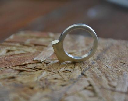 טבעת חותם כסף, טבעת מעוצבת, טבעת חותם, טבעת מיוחדת, טבעת לאישה, טבעת מלבנית, טבעת מתנה, טבעת ליום יום, מתנה לחברה, טבעת סטרלינג סילבר
