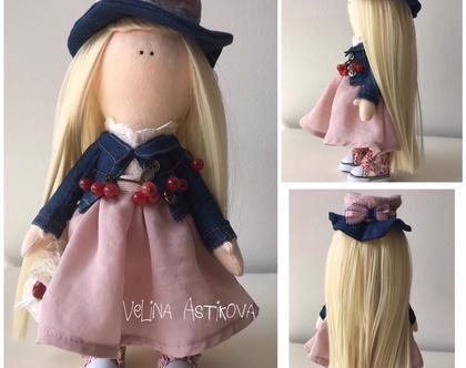"""בובה בעבודת יד לילדות, לאספנים, למתנה - Spring Doll """"Chloe"""""""