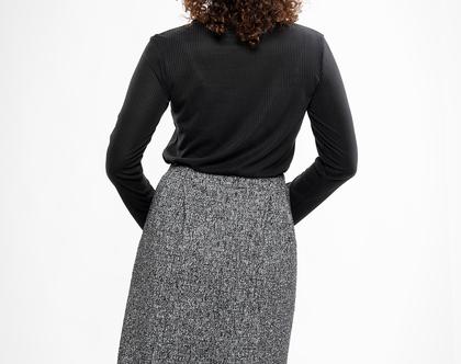 חצאית קפלים עם כיסים