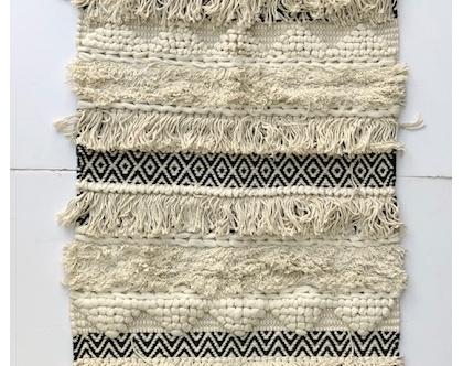 שטיח בוהו מעוינים שחור