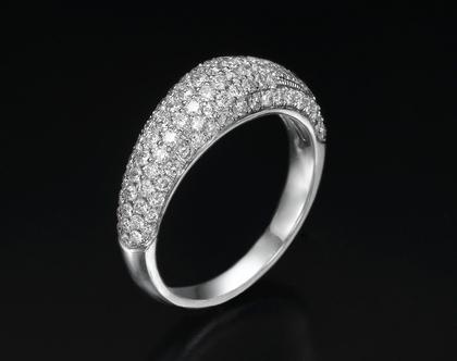 טבעת יהלומים מדהימה