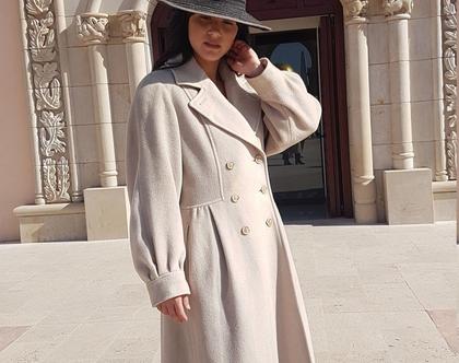 ג'קט ארוך, מעיל ארוך, מעיל מחמם, מעיל חורפי, מעיל בצבע בז', מעיל עם כפתורים, מעיל אירופאי, מעיל לנשים, מעיל צמר, מידה M, מעיל וינטג'
