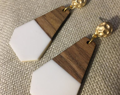 עגילים נופלים בשילוב עץ - עגילי צורות מיוחדים