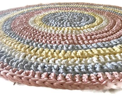 שטיח סרוג בצבעי גלידה עדינים ורכים, שטיח עגול, שטיח לחדר ילדים , שטיח לחדר משותף לבן ובת, יוניסקס