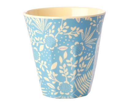 כוס מלמין טוטון בהדפס צמחים ברקע תכלת