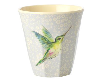 כוס מלמין טוטון בהדפס יונק הדבש ברקע תכלת