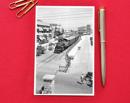גלויה: הרכבת מירושלים לתל אביב עוברת באלנבי. 1938