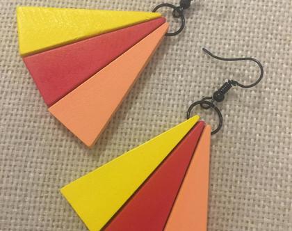 עגילי מניפה מעץ - עגילים אש - עגילים בגווני אדום כתום וצהוב