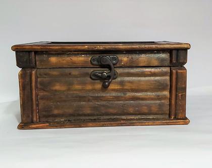 קופסת תכשיטים מעץ מלא מלמעלה ציור שושנה מידות 24*17*12..קופסה גדולה מרשימה ומרופדת בפנים