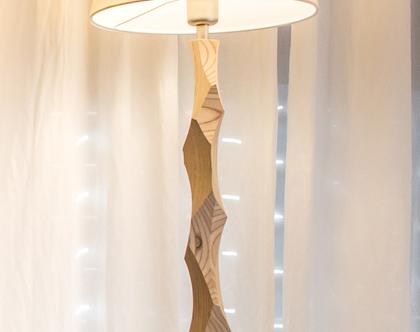 """מנורת שולחן, מנורה לצידי מיטה, מנורה עומדת, מנורת לילה, גוף תאורה שולחני, אהיל פורניר, מנורה בעבודת יד מעץ, """"סנדוויץ-1"""""""
